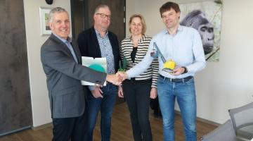 Familiebedrijf Syndus Group in het zonnetje gezet door gemeente Terneuzen