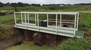 Levering GVK leuningen aan waterschappen door Fiberstruct